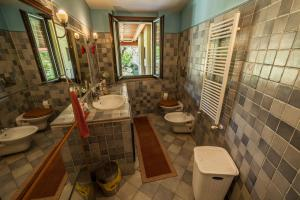 A bathroom at Villa Rosanna