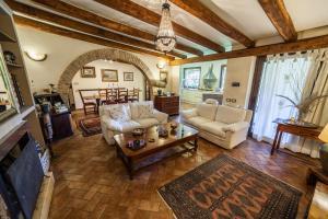 A seating area at Villa Rosanna