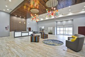 The lobby or reception area at Homewood Suites by Hilton Orlando Theme Parks