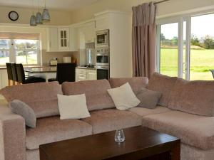A seating area at Rivers Bend Cottage