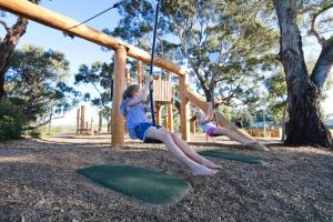 Children staying at Discovery Parks – Robe