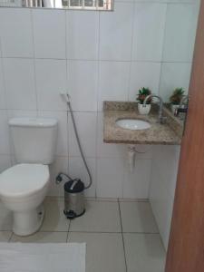 Um banheiro em Apto. Vista Mar