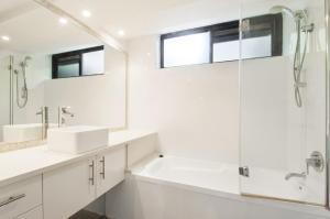A bathroom at THE ROCKS RESORT, UNIT 3C