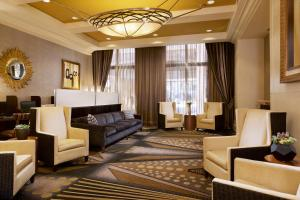 A seating area at Hilton Grand Vacations Suites on the Las Vegas Strip