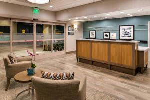 The lobby or reception area at Hampton Inn Channel Islands Harbor