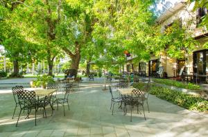 Ein Restaurant oder anderes Speiselokal in der Unterkunft The Hoi An Historic Hotel Managed by Melia Hotels International