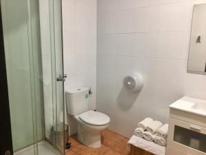 A bathroom at Hotel Rural La Pata de Oca