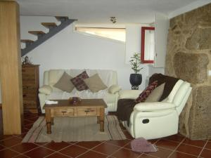 A seating area at Casa da Fecha