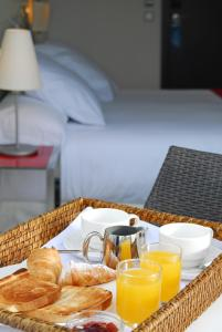 Breakfast options available to guests at Grupotel Gran Via 678