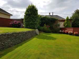 A garden outside Headdons Bed & Breakfast