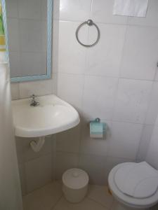 A bathroom at Pousada Favela Cantagalo
