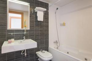 Ванная комната в Pierre & Vacances Torredembarra