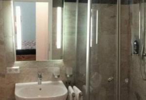 Ein Badezimmer in der Unterkunft Evelyn Klaeger