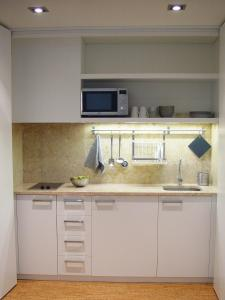 A kitchen or kitchenette at Hall Chiado