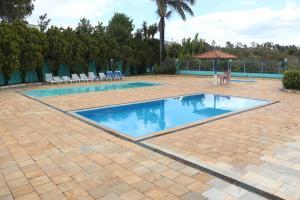 A piscina localizada em Estância Bela Vida ou nos arredores