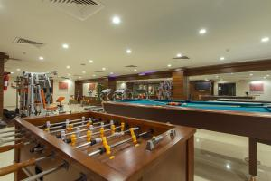Salon oz. bar v nastanitvi Al Bustan Hotel Suites