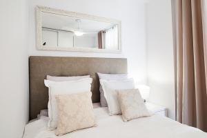 Łóżko lub łóżka w pokoju w obiekcie Apartment with amazing ocean view - Island Village Heights