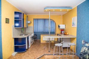 Кухня или мини-кухня в Двухкомнатная квартира