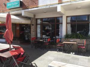 Un restaurant u otro lugar para comer en Crillon Pinamar