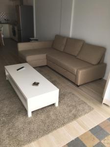 Een zitgedeelte bij apartment Seaside