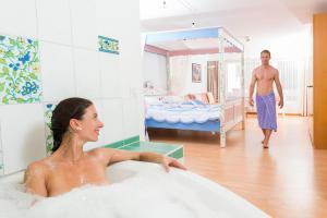 Gäste, die in der Unterkunft Badehotel Salina Maris – Wellness & Vintage übernachten