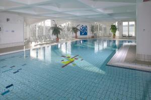 The swimming pool at or close to Hapimag Ferienwohnungen Winterberg