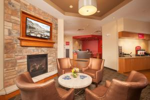 The lobby or reception area at TownePlace Suites by Marriott Cheyenne Southwest/Downtown Area