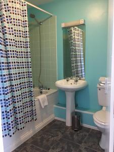 A bathroom at Cefn Mably Hotel