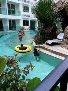 The swimming pool at or near Amazon residence condo jomtien pattaya