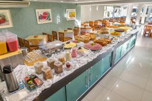 Breakfast options available to guests at Vitoria Regia Hotel
