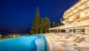 The swimming pool at or close to Hotel Ičići
