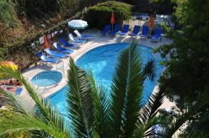Vista de la piscina de Caretta Apart o alrededores