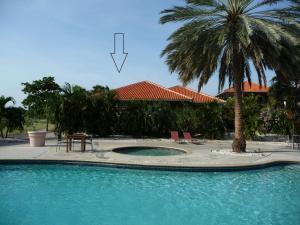 A piscina localizada em Blue Bay Beach Villa at Pool and Golfcourse ou nos arredores