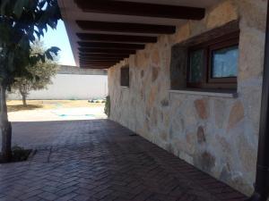 The swimming pool at or near Casa Fuentes de los Alisos
