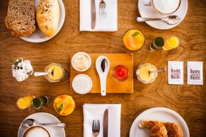 Breakfast options available to guests at Home Hotel