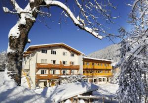 Familienhotel Botenwirt during the winter
