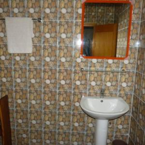 A bathroom at La Venise Malienne