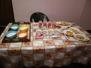 Breakfast options available to guests at Tsechu Homestay