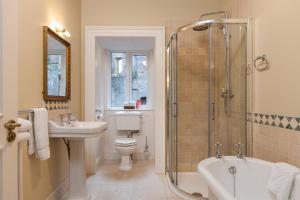 A bathroom at Wilton Castle