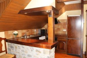 A kitchen or kitchenette at Baqueira I