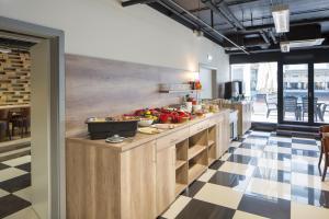 Küche/Küchenzeile in der Unterkunft Di Verdi Imperial Hotel