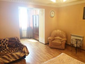 Гостиная зона в Apartment On Lunacharskogo 39