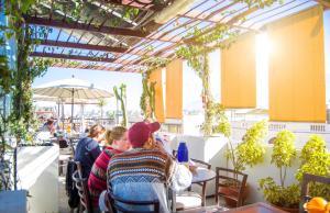 Restaurant ou autre lieu de restauration dans l'établissement Le Foyer Arequipa