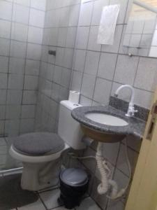 A bathroom at Pousada Marize Dantas