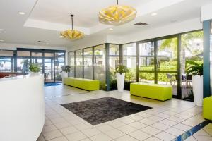 The lobby or reception area at Mantra Hervey Bay
