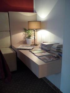 A kitchen or kitchenette at Hotel Regina