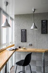 Кухня или мини-кухня в THE KUBZ Capsule Hotel