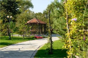 Сад в Парк-отель Новый Век