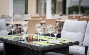 Ein Restaurant oder anderes Speiselokal in der Unterkunft Seehotel Schwanenhof