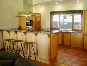 A kitchen or kitchenette at Scobie Lane Retreat